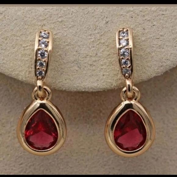 Jewelry - New 18ktgf ruby cz earrings